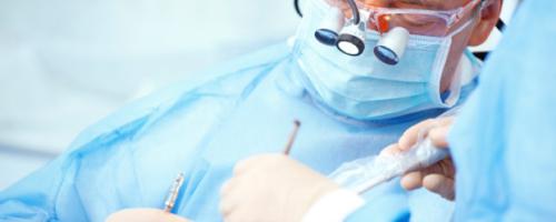 Чем занимается хирург стоматолог, кто это и что лечит