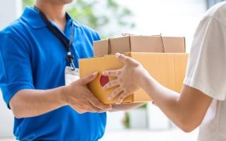 Лайфхак: курьер по доставке — еды, документов, банковских карт кто это и как работают со свободным графиком
