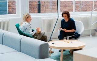 Лайфхак: что лечит психотерапевт, с какими симптомами обращаться