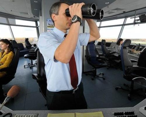 Профессия авиадиспетчер — обязанности, обучение, зарплата