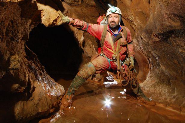 чем занимается в пещерах геолог